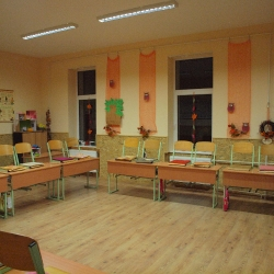 Hálaadó Istentisztelet a felújított iskoláért_24