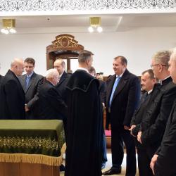 Presbiteri Eskütétel
